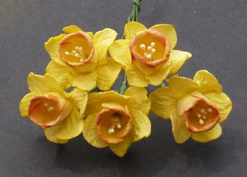 Mulberry paper Daffodil stem flowers / 2,5cm / 5pcs / yellow-orange