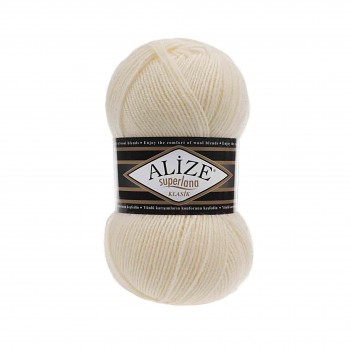 Yarn Superlana Klasik / 100g / Cream 01