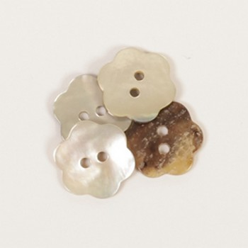 Pearl button Flower white / 1,5cm / 1pc