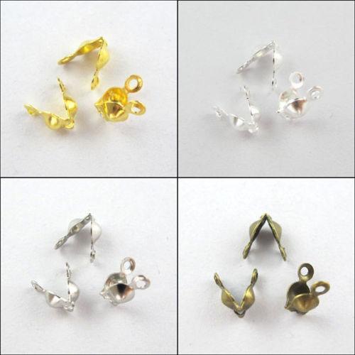 Elementy biżuterii materiału